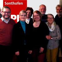 Bildunterschrift: Der neue SPD-Vorstand: Dr. Gerhard Wimmer, Manfred Kleimeier, Claus Eisemann (stv. Vorsitzender), Susanne Hofmann (Vorsitzende), Steffanie Blaser-Reimund, Christine Herzog (Kassiererin), Anton Handlos (Schriftführer), Elisabeth Nemecz